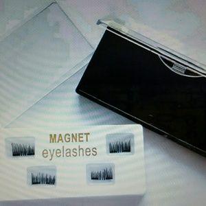 NWOT Magnetic False Eyelashes